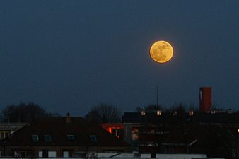 supermoon_over_germany_2011